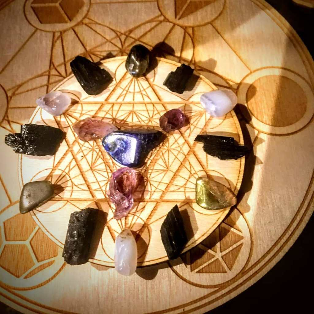 Crystal Grid | Heal toxic relationships & cultivate understanding & positive communication | Love Potion Magickal Perfumerie July 6th, 2019